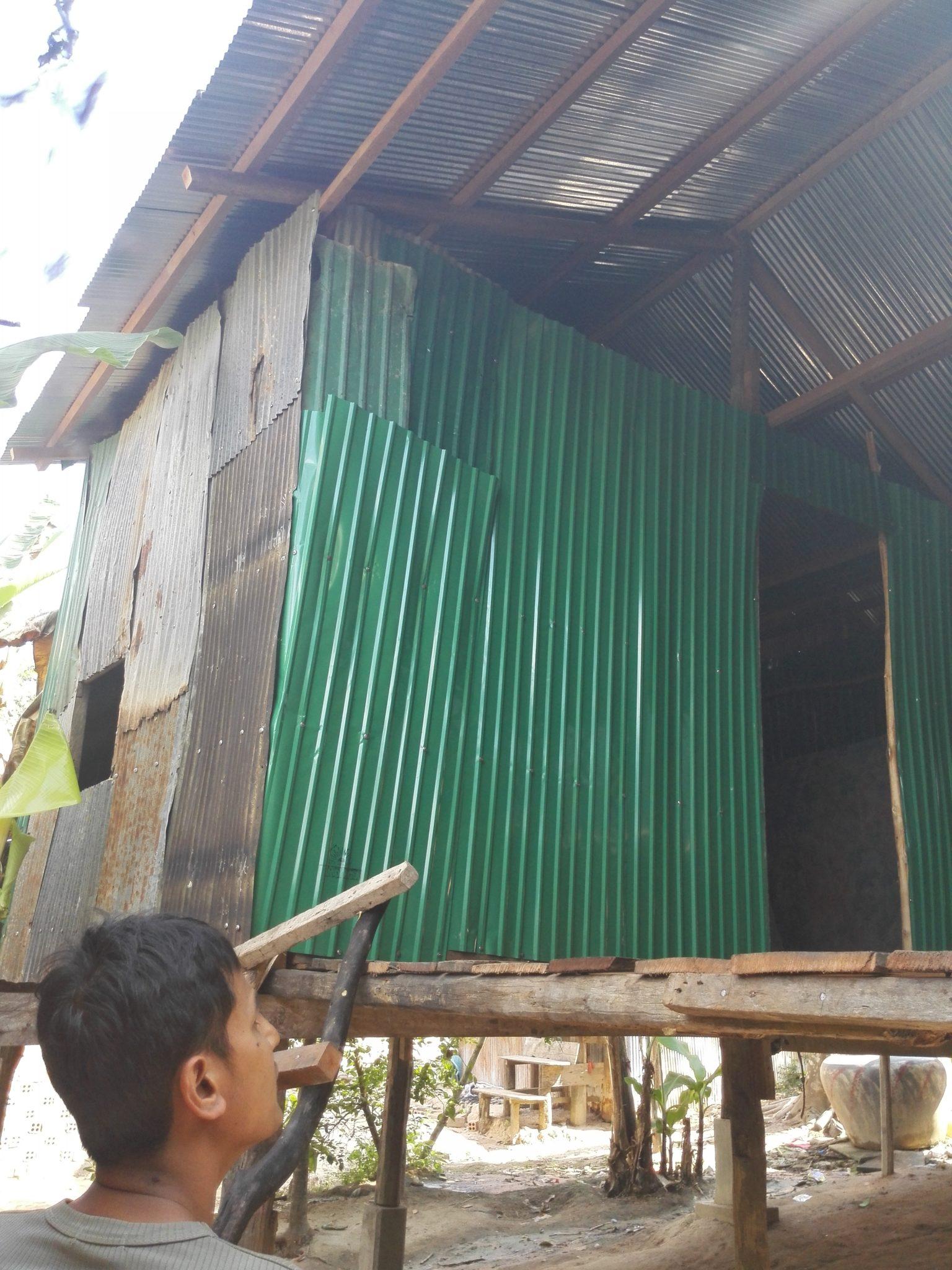 neues dach und fassade nach brand kamboo project. Black Bedroom Furniture Sets. Home Design Ideas